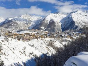 Auron Village